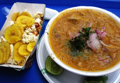Encebollado-with-plaintain-chips-and-popcorn